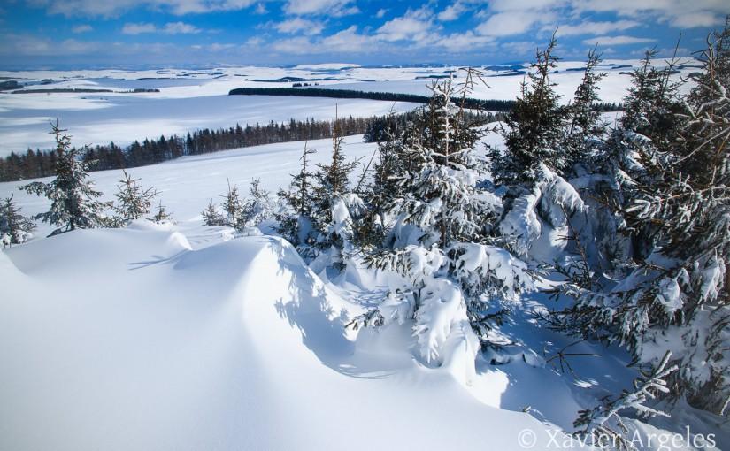 Randonnée dans la neige en Aubrac